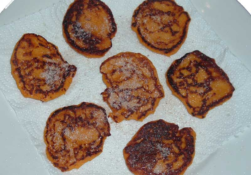 pampoenkoekies with cinnamon sugar